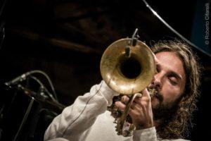 A Onanì, questa sera, il Festival Nuoro Jazz propone il concerto di Dino Rubino in quartetto con Emanuele Cisi, Paolino Dalla Porta e Stefano Bagnoli.
