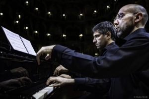"""Venerdì 23 agosto, a Calasetta, il duo pianistico Schiavo-Marchegiani chiude l'edizione 2019 di """"Colori e note""""."""