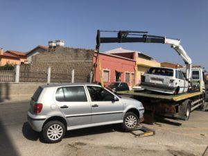 Il comune di Sant'Antioco ha avviato il piano di rimozione di 80 carcasse di automobili abbandonate.