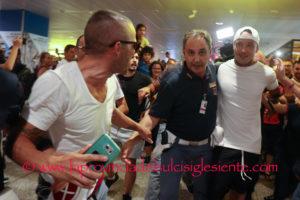 Ora è ufficiale. Radja Nainggolan vestirà la maglia del Cagliari nel prossimo campionato di serie A.