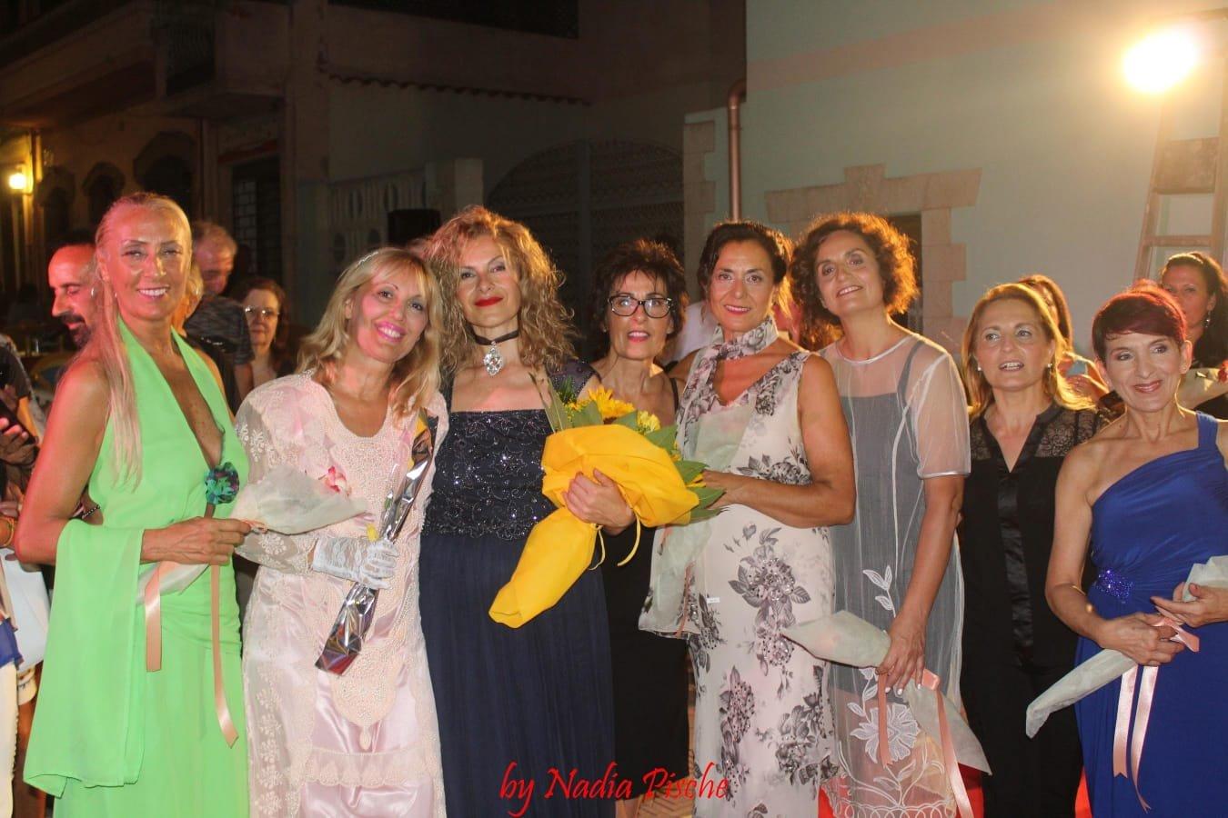 """Grande successo, a Gonnesa, per la ventesima edizione di """"Moda sotto le stelle"""", organizzata da Cristina Balloi."""