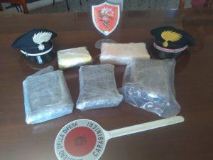 Un pizzaiolo 37enne di Serramanna è stato arrestato, dopo essere stato sorpreso in possesso di 5 kg di cocaina.