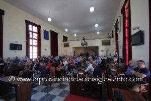 """""""Rwm: il posto di lavoro tra pace, legalità e riconversione"""", è il tema del convegno svoltosi questa sera nella sala polifunzionale del comune di Carbonia."""