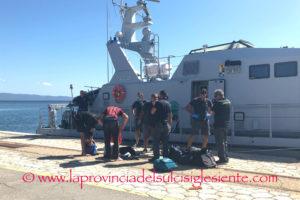 Gli arrivi dei migranti algerini sulle coste del Sulcis non si fermano più. Oggi la Guardia di Finanza, al porto di Sant'Antioco, ha gestito due sbarchi per complessivi 38 clandestini.