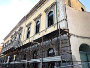 Al via, a Sant'Antioco, i lavori di riqualificazione esterni al Palazzo del Capitolo, inseriti nel progetto di valorizzazione del centro storico e di Piazza De Gasperi.