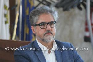 """L'incontro-dibattito """"Istituzioni democratiche in Sardegna e partecipazione popolare"""" concluderà venerdì 22 novembre, a Cagliari, le iniziative organizzate dal Circolo Palmiro Togliatti."""