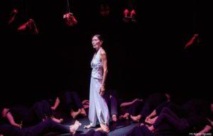 """Lunedì 9 settembre, alle 21.00, per """"Corpi in movimento"""", al Verdi di Sassari, Luciana Savignano presenta con Padova Danza uno spettacolo di forte impatto emotivo."""