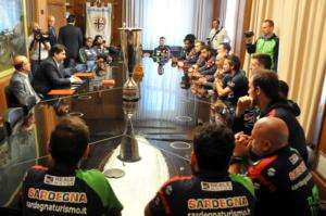 La Dinamo fresca vincitrice della SuperCoppa Italiana e corsara ieri a Varese all'esordio in campionato, stamane è stata ricevuta dal presidente della Regione, Christian Solinas.