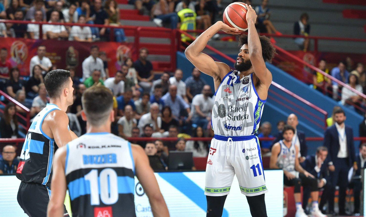 La Dinamo questa sera sfida la Reyer nella finale della Supercoppa Italiana.