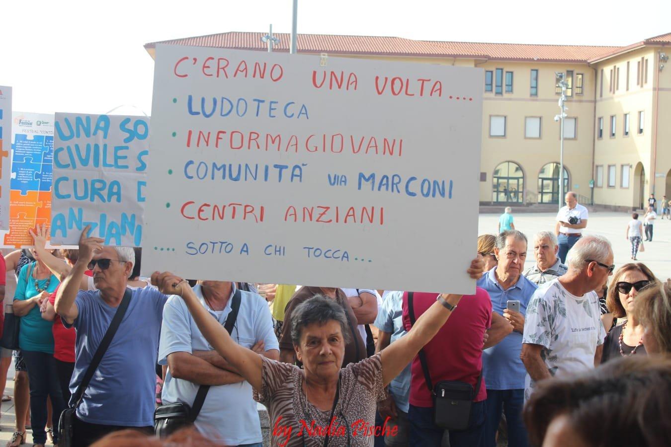 La rivolta delle associazioni contro la Giunta Massidda ha trovato il sostegno del Consiglio comunale di Carbonia sulla mozione della minoranza.