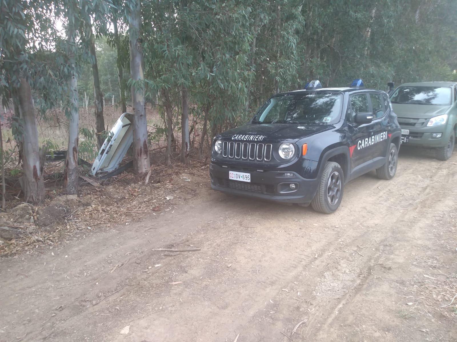 I carabinieri della compagnia di Sanluri e dello Squadrone Eliportato Cacciatori di Sardegna con un elicottero di Elmas sono impegnati nel rinvenimento di una piantagione di marijuana.
