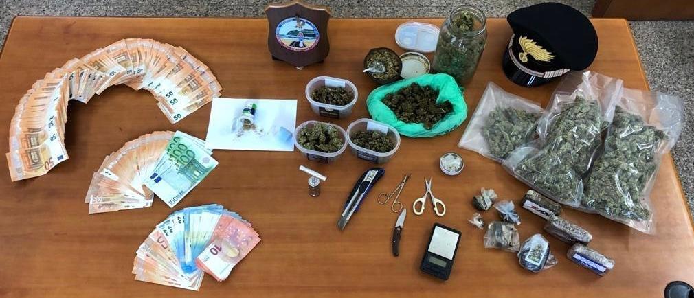 I carabinieri della Compagnia di Cagliari hanno arrestato un 31enne cagliaritano sorpreso nella sua abitazione con 1 kg di droga.