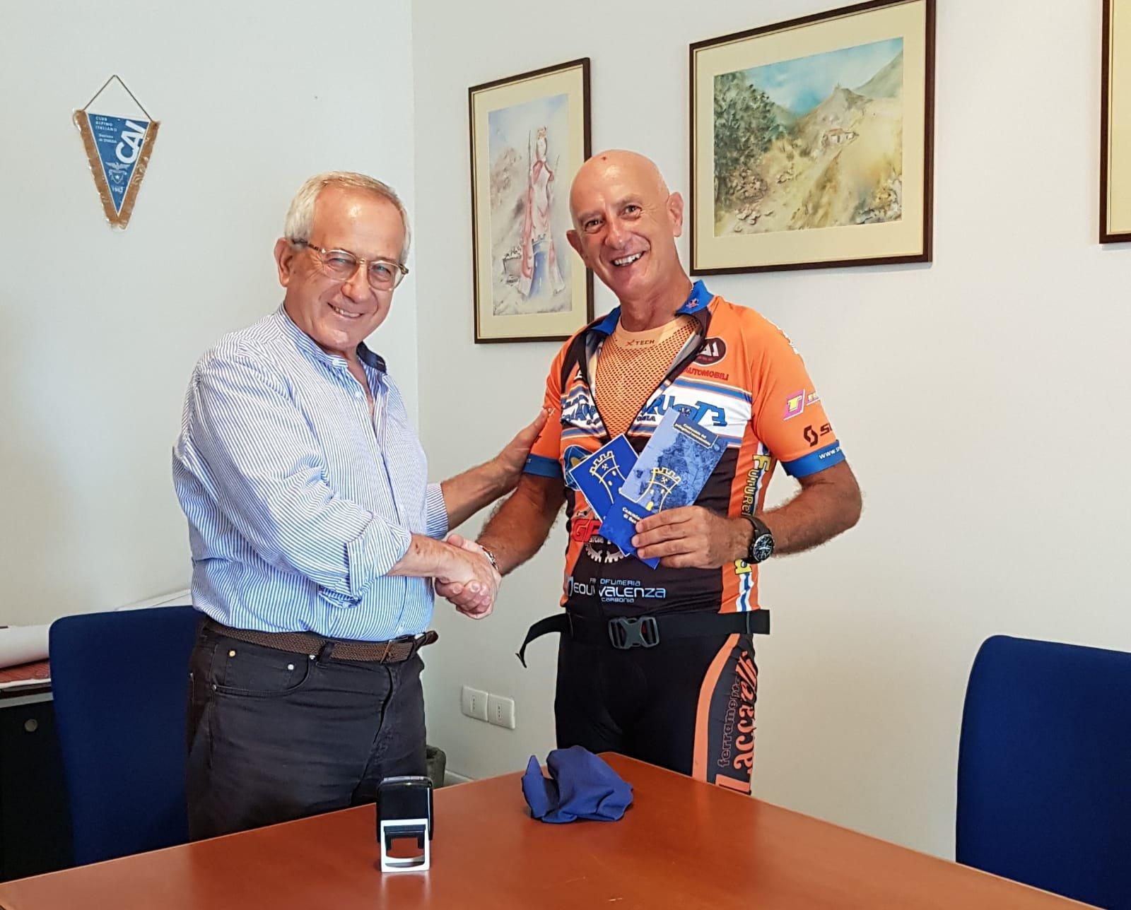 Roberto Puddu è il primo pellegrino che percorrerà la ciclovia per Mountain bike del Cammino Minerario di Santa Barbara.