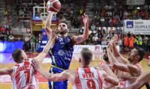 Dopo il trionfo nella SuperCoppa Italiana e l'impresa di Varese all'esordio in campionato, la Dinamo ospita alle 18.00, al PalaSerradimigni, la VL Pesaro.