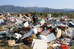 """Il Servizio Ispettorato di Cagliari ha sanzionato e denunciato anche soggetti """"insospettabili"""" per abbandono dei rifiuti e gestione di discariche abusive."""