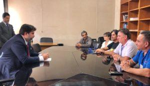 Il governatore Christian Solinas ha incontrato a fine mattinata i lavoratori Sider Alloys che protestavano davanti a Villa Devoto.