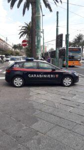 La notte scorsa, intorno alle 3.30, i carabinieri del nucleo radiomobile di Cagliari hanno arrestato due giovani per furto di veicoli in via Roma.
