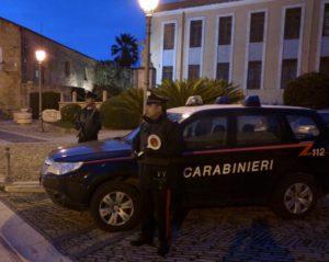 I carabinieri di Villanovafranca hanno fermato e posto agli arresti domiciliari un 50enne che da anni aggrediva la moglie 40enne.