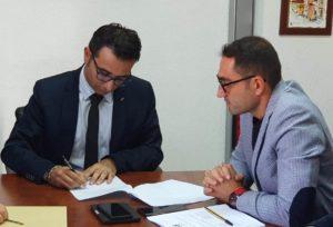 """E' stato firmato, questa mattina, nel comune di Berchidda, il decreto per l'istituzione del monumento naturale """"Arco e Punta Sa Berrita-Supràppare""""."""