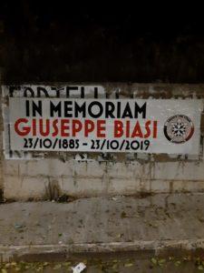 Anche quest'anno la sezione sassarese di CasaPound Italia ricorda il pittore sardo Giuseppe Biasi (1885-1945) con l'affissione di uno striscione.
