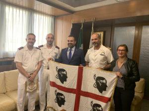 Il presidente del Consiglio regionale Michele Pais ha ricevuto il Capo di Stato maggiore del Comando Supporto Logistico della Marina militare di Cagliari, Domenico Usai, ed i marinai Roberto Tiddia e Vito Magistro.