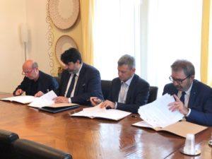 E' stato sottoscritto questa mattina, a Villa Devoto, un protocollo d'Intesa per l'attuazione di progetti, servizi, interventi e azioni riguardanti il reinserimento sociale di soggetti in esecuzione penale.