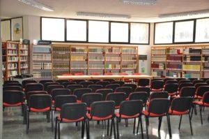 La Biblioteca comunale di viale Arsia e la Sezione di Storia Locale, sita nei locali dell'ex torneria della Grande Miniera di Serbariu, saranno chiuse al pubblico il 1° e il 2 novembre.