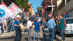 Nuova manifestazione di protesta dei lavoratori Sider Alloys (ex Alcoa) questa mattina a Villa Devoto, a Cagliari.