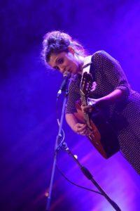 """La cantautrice sarda Chiara Effe ha vinto ieri sera, al Teatro Masini di Faenza, la finale del """"Premio dei Premi"""", nell'ambito del Mei."""