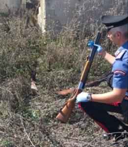 I carabinieri di Villasor hanno sventato un furto di armi e gioielli.