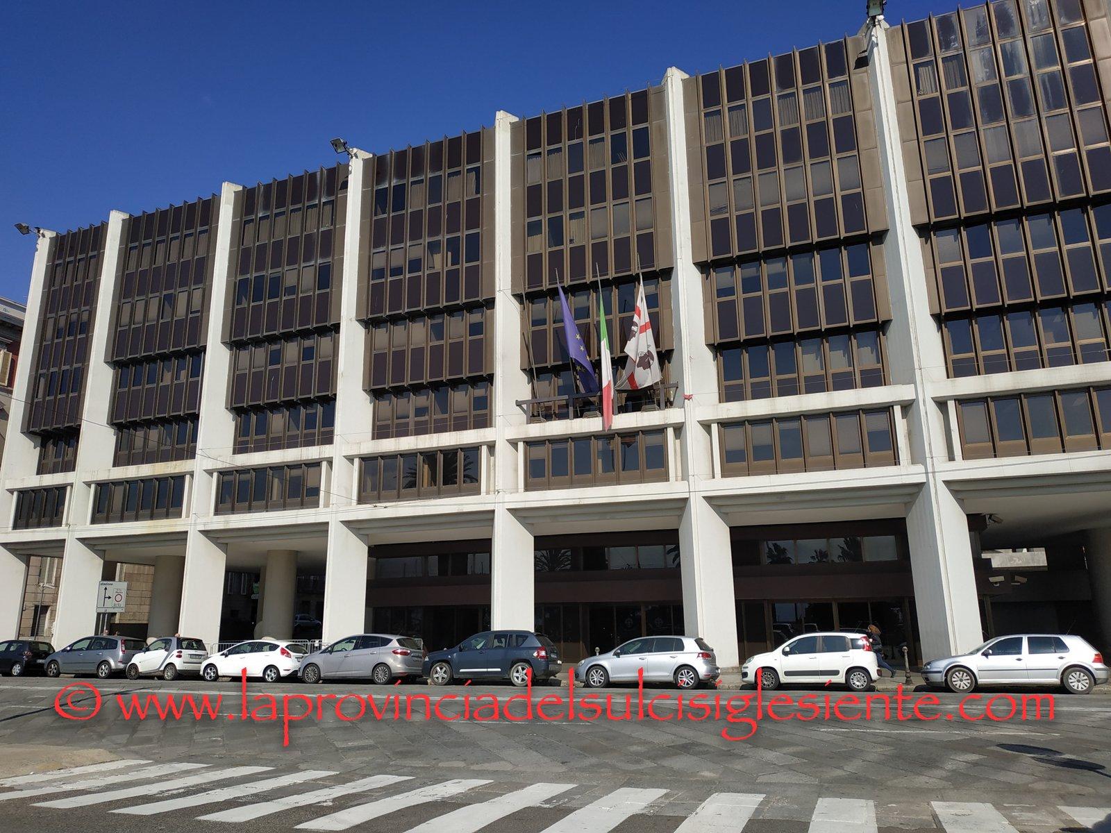"""Lunedì 21 ottobre, la sala transatlantico del Consiglio regionale ospiterà un convegno su """"Europa: Sardegna e questione insulare""""."""