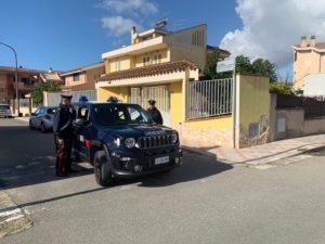Stamane i carabinieri della stazione di Selargius hanno arrestato un 17enne fermato a bordo di un'auto rubata.