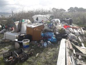 Il personale dell'Ufficio Circondariale Marittimo di Sant'Antioco ha sequestrato 3.400 m2 di area demaniale marittima, per la presenza di rifiuti anche pericolosi abbandonati.