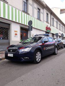 I carabinieri di Selargius hanno arrestato un 49enne di Quartucciu, sorpreso a rubare nel box spogliatoio in uso ai dipendenti di un supermercato.