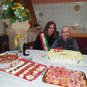 Eraldo (Francesco all'anagrafe) Secchi, il nonnino ultracentenario di San Giovanni Suergiu, ha tagliato il traguardo dei 103 anni!