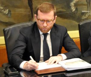 Cgil, Cisl e Uil: «Consideriamo positivo l'impegno preso dal ministro Giuseppe Provenzano, in particolare sul piano di metanizzazione».
