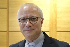 Monsignor Giuseppe Baturi, 55 anni, originario di Catania, è il nuovo arcivescovo di Cagliari. Succede a monsignor Arrigo Miglio che lascia l'incarico a 77 anni.
