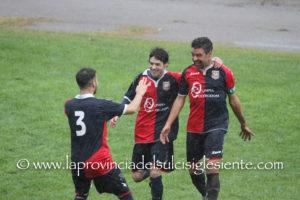 Il Cortoghiana ospita la capolista Idolo e sogna il sorpasso in testa alla classifica, il Villamassargia ha battuto l'Orrolese 2 a 0 nell'anticipo, la Monteponi gioca a Selargius.