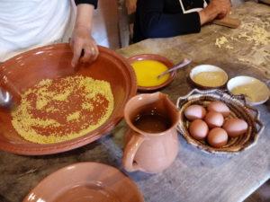 """Serri debutta nella rassegna """"Saboris antigus"""", con artigiani, torneo di murra, preparazione del torrone e della carne di cinghiale."""