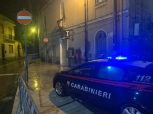 I carabinieri di Selargius hanno arrestato per concorso in tentato furto aggravato due fratelli del posto, di 44 e 39 anni.