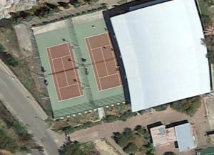 Il comune di Carbonia ha avviato una manifestazione di interesse per la riqualificazione, ampliamento e gestione dei campi da tennis di via Balilla.