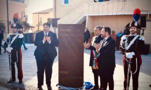 Il governatore Christian Solinas stamane a Golfo Aranci per l'intitolazione di una piazza a Francesco Cossiga.