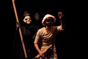 """L'8 ed il 15 dicembre, il Teatro delle Saline, a Cagliari, ospita il Teatro Circus Maccus con lo spettacolo """"Le 99 fatiche di Arlecchino""""."""