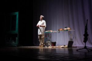 """Sabato 28 dicembre, Cada Die Teatro propone lo spettacolo """"Alberi e sogni"""", a Monastir."""