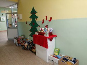 L'Istituto comprensivo di Sennori, in collaborazione con l'Amministrazione comunale, ha organizzato una colletta alimentare per regalare un Natale più sereno alle famiglie meno fortunate del paese.