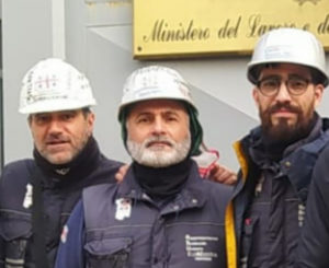 Enrico Pulisci e Gian Marco Mocci (RSU Eurallumina): «Grazie ad Antonello Pirotto, abbiamo imparato che esiste una deontologia anche per chi protesta e per chi rappresenta persone in difficoltà».
