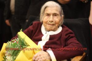 Sant'Anna Arresi è in festa per i 100 anni di nonna Speranza Uccheddu. L'articolo completo ed un ricco album fotografico.
