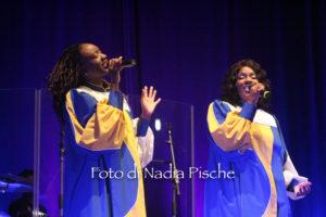 Un sound energico carico di calore, di passione e d'amore, quello presentato la sera di Natale al Teatro Centrale di Carbonia, dal gruppo J.P. & The Soul Voices.