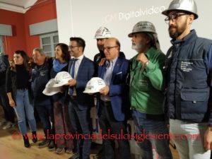 La vertenza Eurallumina, dalla fermata della produzione (2009) al rilascio della VIA (2019) è stata ricostruita questo pomeriggio nella sala Fabio Masala della Fabbrica del Cinema, a Carbonia.
