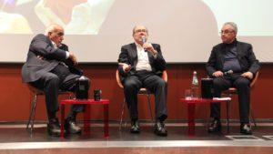 Sabato sera l'associazione culturale l'Alambicco, a Cagliari, ha consegnato il Premio alla carriera a Carlo Verdone.